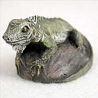 Iguana Tiny One Figurine
