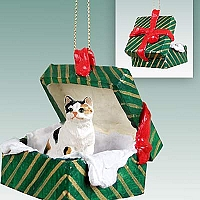 Calico Shorthaired Gift Box Green Ornament