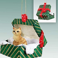 Red Tabby Manx Gift Box Green Ornament