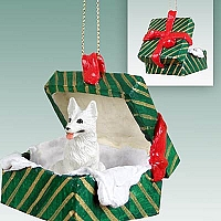 German Shepherd White Gift Box Green Ornament
