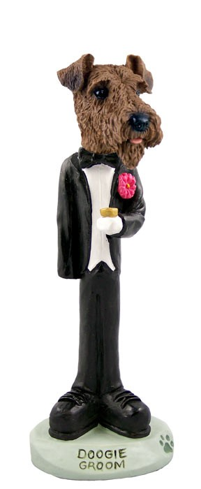 Airedale Groom Doogie Collectable Figurine