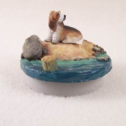 "Basset Hound Candle Topper Tiny One ""A Day on the Beach"""