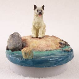 "Akita Fawn Candle Topper Tiny One ""A Day on the Beach"""