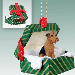 Airedale Gift Box Green Ornament