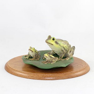 Frogs Figurine