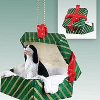 Springer Spaniel Black & White Gift Box Green Ornament
