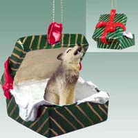Wolf Timber Gift Box Green Ornament