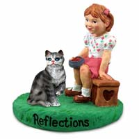 Figurine Reflections Girl w/Cats