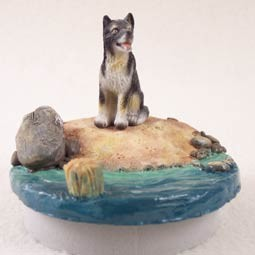 "Alaskan Malamute Candle Topper Tiny One ""A Day on the Beach"""